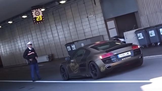 Quyền lực của cảnh sát và tiếng gầm siêu xe