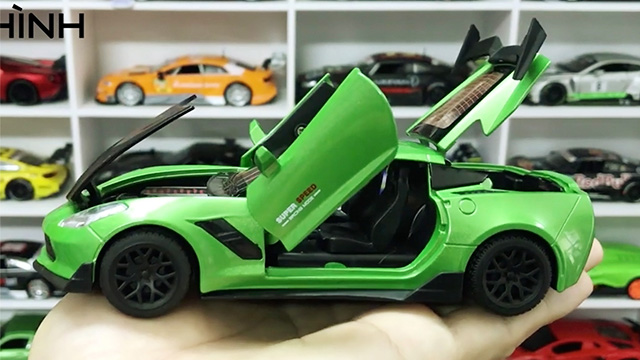Xe thể thao Mỹ Chevrolet Corvette Xanh